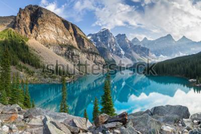 Carta da parati Moraine lake with the rocky mountains panorama in the banff canada