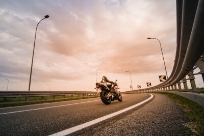 Carta da parati Motociclista su moto da strada