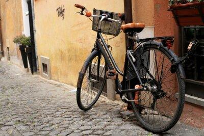 Carta da parati Nero bici classica in una strada romana