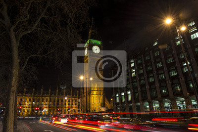 Carta da parati Night traffic under Big Ben