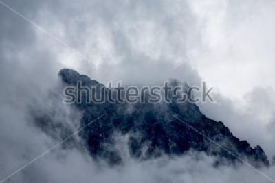 Carta da parati Nuvole intorno al picco delle Alpi, Europa, Austria