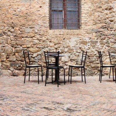 Carta da parati Old caffè all'aperto in una strada toscana tradizionale