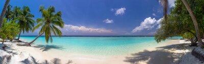 Carta da parati Panorama Beach alle Maldive con cielo azzurro, le palme e turquoi