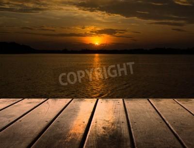 Carta da parati Piattaforma di legno accanto al lago con il tramonto