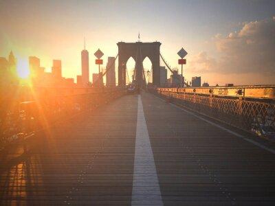 Carta da parati Ponte di Brooklyn al tramonto con vista di New York