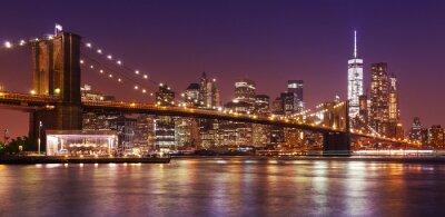 Carta da parati Ponte di Brooklyn e Manhattan di notte, New York City, Stati Uniti d'America.