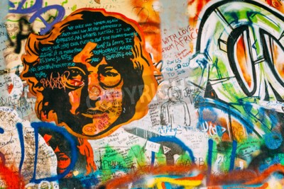 Carta da parati Praga, Repubblica Ceca - 10 ottobre 2014: luogo famoso a Praga - The John Lennon Wall. Parete è piena di John Lennon graffiti ispirato e testi da canzoni dei Beatles