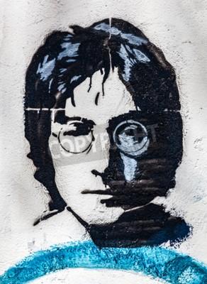 Carta da parati PRAGA, REPUBBLICA CECEA - 29 APRILE 2016: John Lennon Wall, ritratto. Il muro è stato riempito con Lennon ispirato graffiti e testi da canzoni dei Beatles dagli anni Ottanta come irritazione del comun