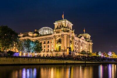 Carta da parati Reichstag a Berlino la sera