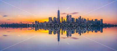 Carta da parati Riflessioni dell'orizzonte di New York City all'alba