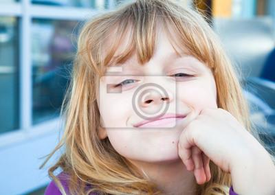 Carta da parati Ritratto di una bambina bionda sorridente
