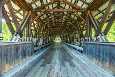 Carta da parati Rowell Covered Bridge è un ponte coperto di Hopkinton, nel New Hampshire, che trasporta Rowell Bridge Road sul fiume Contoocook. È un lungo ponte in stile truss.