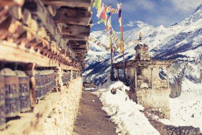 Carta da parati ruote di preghiera in alta montagne dell'Himalaya, il Nepal paese, destinazione di viaggio del turismo