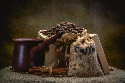 Carta da parati sacchetto di caffè su sfondo scuro