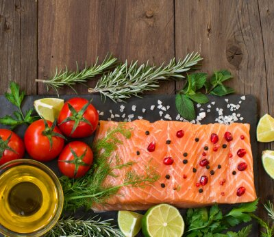 Carta da parati Salmone con verdure, olio d'oliva e le erbe