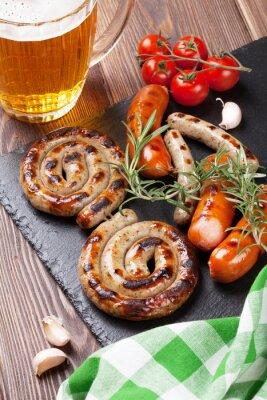 Carta da parati Salsicce alla griglia e boccale di birra