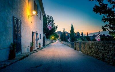 Carta da parati San Quirico D'orcia di notte, Toscana