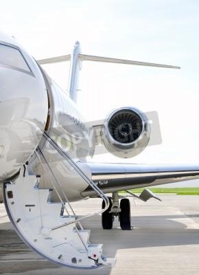 Carta da parati Scale con Jet Engine su un moderno jet privato aeroplano - Bombardier Global Express