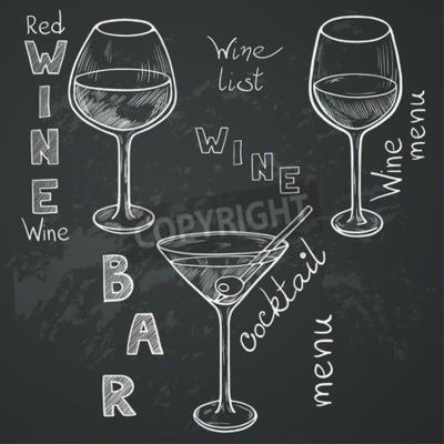 Carta da parati Set di bicchieri di schizzo per il vino rosso, vino bianco, Martini e cocktail su sfondo lavagna. scritto a mano le lettere in stile vintage disegnati con il gesso sulla lavagna.