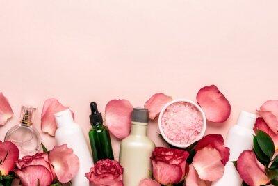 Carta da parati Set di cosmetici naturali da rose. Concetto di bellezza e cura della pelle