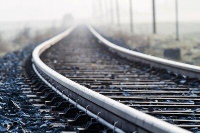 Carta da parati Singola linea ferroviaria Lane, nella nebbia di mattina