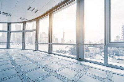 Carta da parati stanza ufficio vuoto nei moderni edifici per uffici a Alba