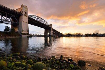 Carta da parati storico ponte Burrard di Vancouver al tramonto invernale