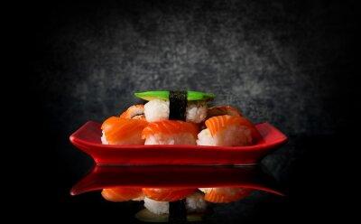 Carta da parati Sushi sulla piastra rosso