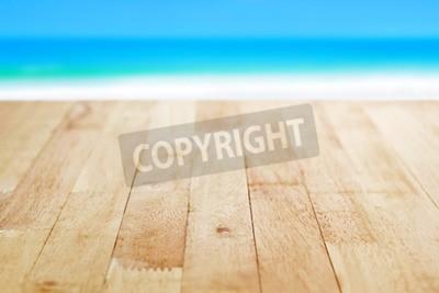 Tavolo Di Legno Sul Mare Sfocatura Sfondo Blu E Bianco Spiaggia