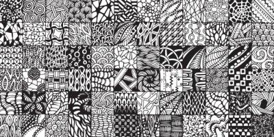 Carta da parati texture con quadrati bianchi e neri dipinti nello stile di zentangl