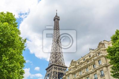 Carta da parati Torre Eiffel vista dalla strada