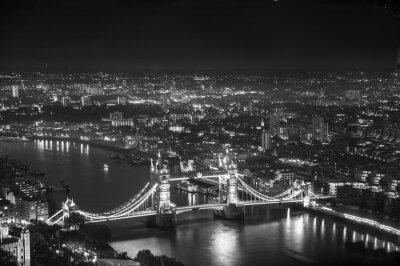 Carta da parati Tower Bridge in luci notturne, Londra