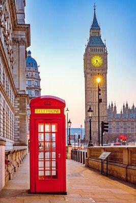 Carta da parati Tradizionale cabina telefonica rossa e il Big Ben a Londra