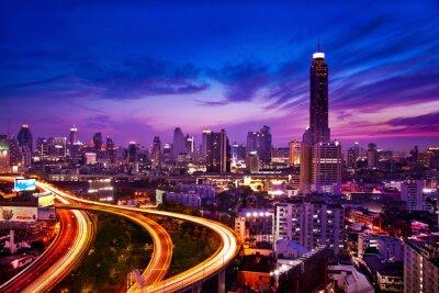 Carta da parati Traffico in città moderna di notte, Bangkok in Thailandia