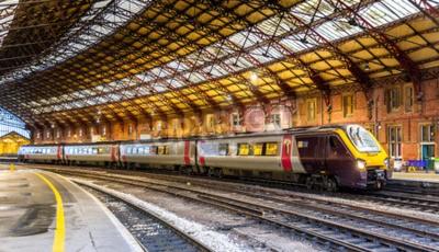 Carta da parati Treno passeggeri alla stazione ferroviaria di Bristol Temple Meads, Inghilterra