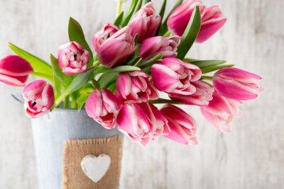 Carta da parati Tulipani su sfondo grigio.