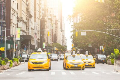 Carta da parati Typical yellow taxi in New York city