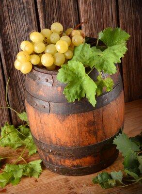Carta da parati Vecchia Botte di vino con grappolo di uva