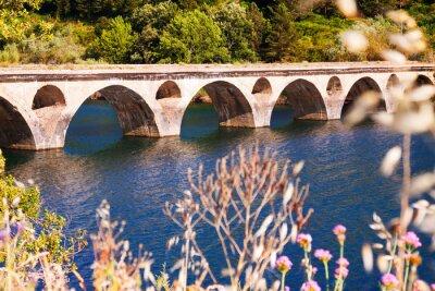 Carta da parati Vecchio ponte sul lago