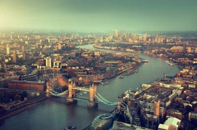 Carta da parati Veduta aerea di Londra con il Tower Bridge nel tempo di tramonto