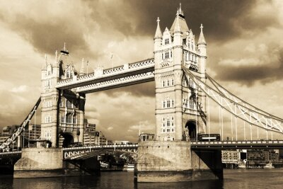 Carta da parati Vintage vista su Tower Bridge, London. Seppia tonica.
