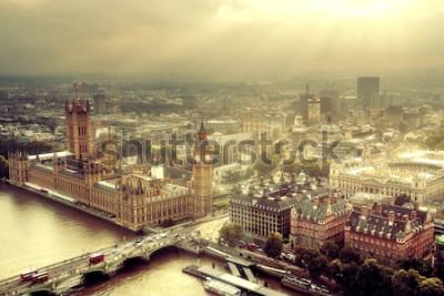 Carta da parati Vista aerea di Westminster con il Tamigi e il paesaggio urbano urbano di Londra.