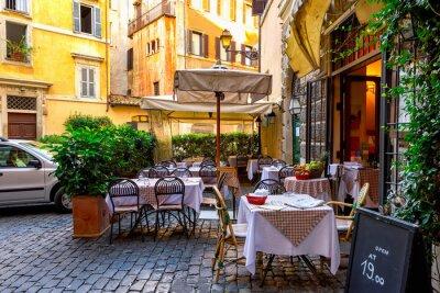 Carta da parati Vista di vecchia strada accogliente a Roma, Italia