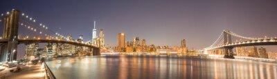 Carta da parati Vista panoramica Manhattan Bridge, Ponte di Brooklyn e Manhattan Skyline di notte
