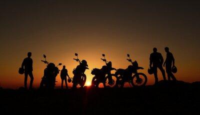 Carta da parati gündoğumu izleyen motorcular