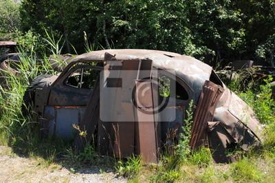 carcasse de veilles voiture dans une d charge murale fotomurali scarico relitto sporcizia. Black Bedroom Furniture Sets. Home Design Ideas
