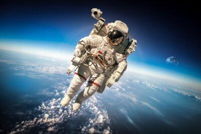 Poster Astronauta nello spazio esterno