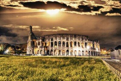 Poster Bella vista del Colosseo di notte