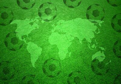 Poster Campo di calcio in erba con mappa del mondo e palloni da calcio modello.