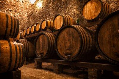 Poster Cantina con botti per la conservazione di vino, Italia